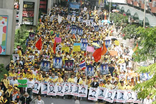 Protesters Rally at Sukhumvit