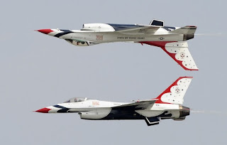 US Air Force Thunderbirds F-16 Falcon