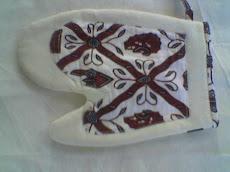 Contoh Souvenir Kami : Cempal Berbentuk Sarung Tangan dari Batik
