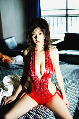 Aki Hoshino super model