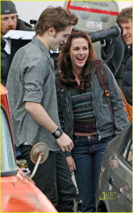 kristen stewart hair color in new moon. are kristen stewart and