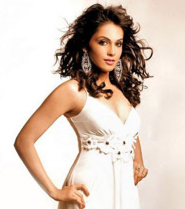 Hot Isha Koppikar wants to be a better actor