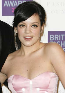 Actress Lily Allen down with flu