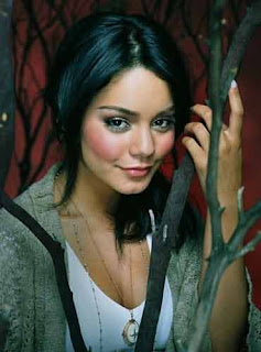Vanessa Hudgens to star in 'Journey 2: The Mysterious Island'