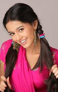 Amrita Rao walks the ramp in Red Bridal