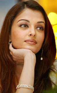 Aishwarya Rai dedicated Teacher's People Achiever Award to her father