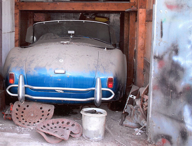 Here Is An Example Of A Time Capsule Car Discovered Recently By The Auction House Gooding Co I Think This Would Also Qualify As Barn Find
