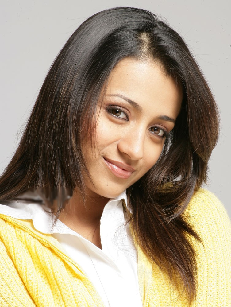 actress-trisha-smiling