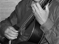 profesor de guitarra clásica