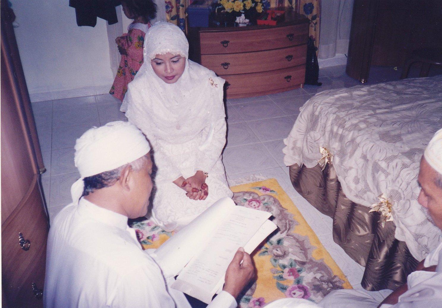 Wawa n Tok Imam/Tok Kadi masa sign surat nikah