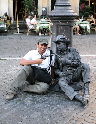 Roman Statue Gunslinger