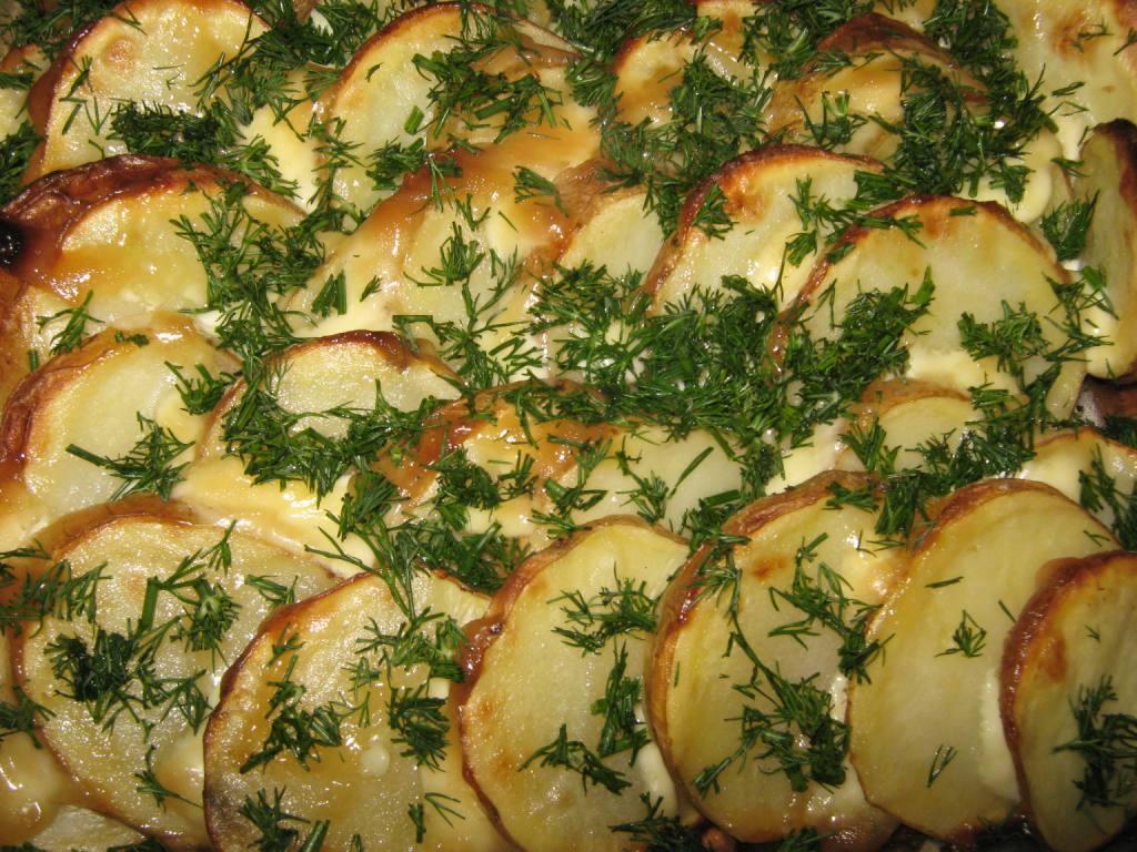 Картошка запеченная с сыром и с чесноком рецепт