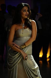 Aishwarya Rai Hot Photos in Movie Enthiran