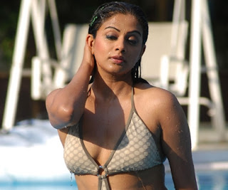 Priya Mani Hot Boobs - Sexy Stills