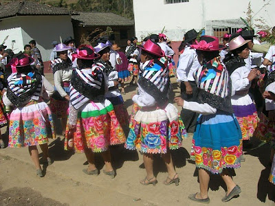 BAILES PERUANOS