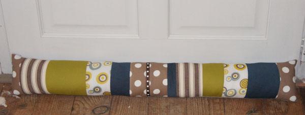 c mon atelier le froid est l le boudin de porte aussi. Black Bedroom Furniture Sets. Home Design Ideas