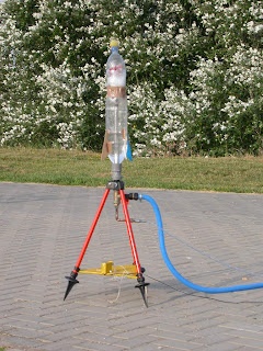 Como hacer un cohete de agua.