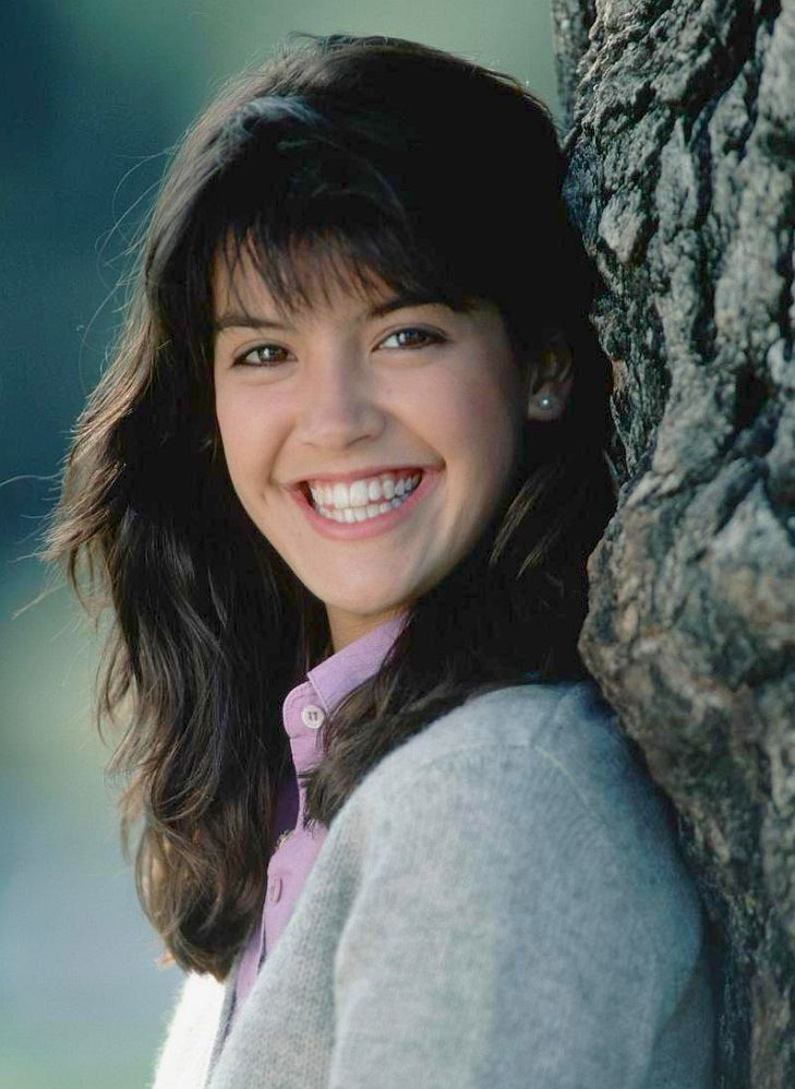 Phoebe cates fast times at ridgemont high 4