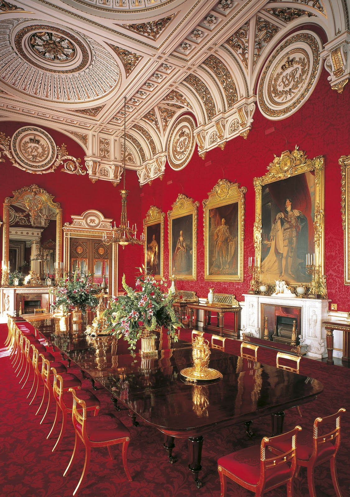 Throne room buckingham palace - After Seeing The Palace We Went To Look At The Royal Stables They Have A Proper Name But I Can T Remember It Right Now This Is Where We Saw These Amazing