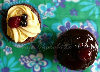 Vişneli Brownie Cupcake
