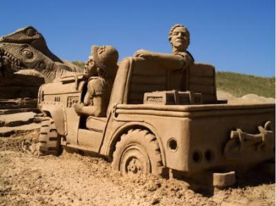 figuras en la arena  A96886_a548_7-car