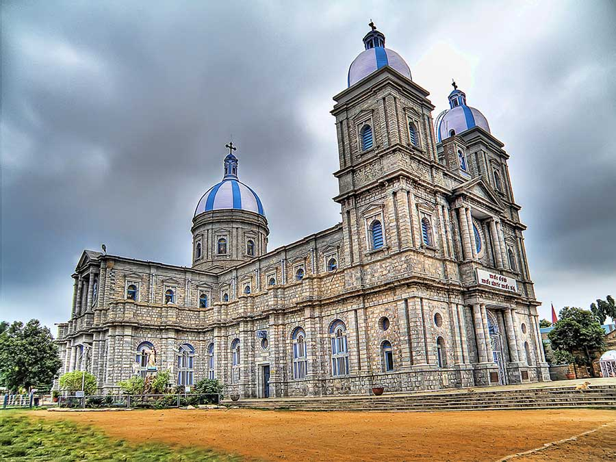 HDR image of Xaviers cathedral, Bangalore