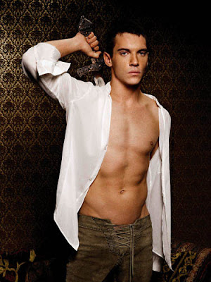 Jonathan Rhys Meyers looks gay to us !: www.timessquaregossip.com/2007/04/jonathan-rhys-meyers-and-reena...
