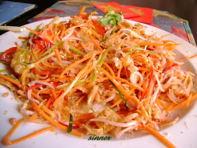 Yu Sheng after tossing ~ Lo Hei