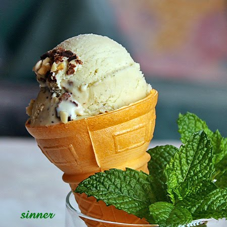 Mint vodka ice cream with choc chunks