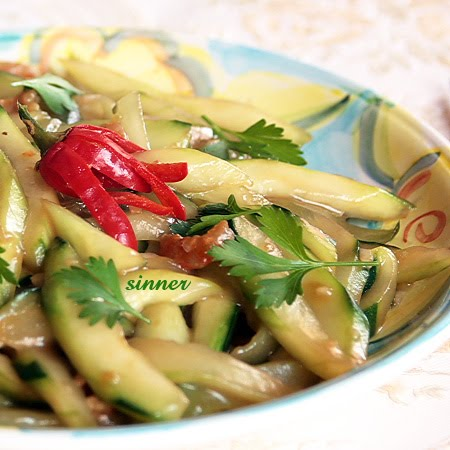 stir-fried short cucumber