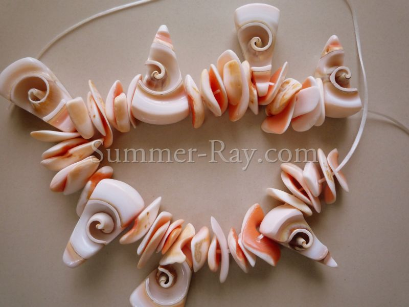 Things To Make With Seashells http://blog.summer-ray.com/2010/09/summer-seashell-bracelet.html