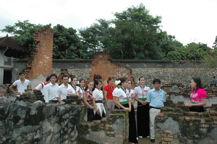 khach tham quan di tích Nhà tù Sơn La