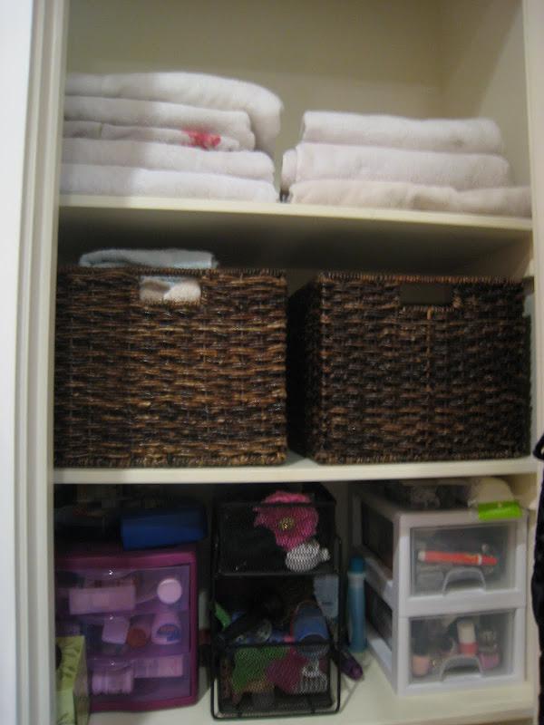 Organizing Your Life: Bathroom Storage title=
