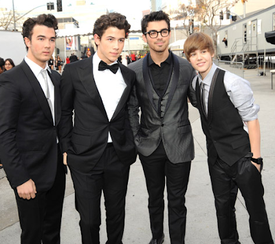 justin bieber grammys 2010. Jonas Brothers with Justin