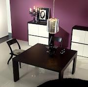 Para mais informações sobre a mesa de sala jantar quadrada em cima, .