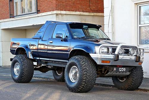 Big Ford Trucks Advantages and Specialties of 4x4 Pickup Trucks