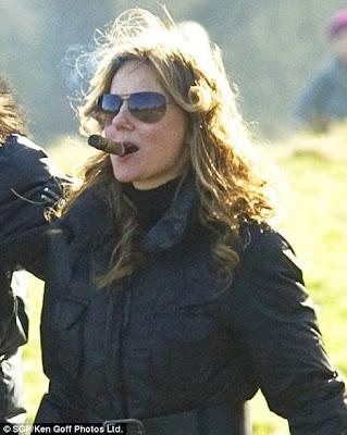 Celebrities Smoking ! Sensational Pictures Seen On  www.coolpicturegallery.us