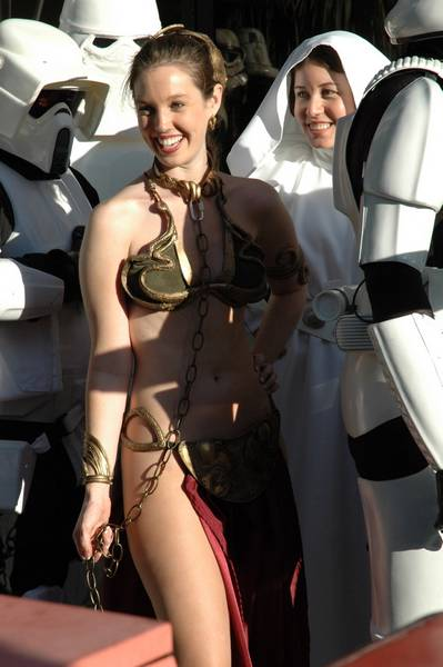 jennifer aniston princess leia slave outfit. +fey+princess+leia+costume