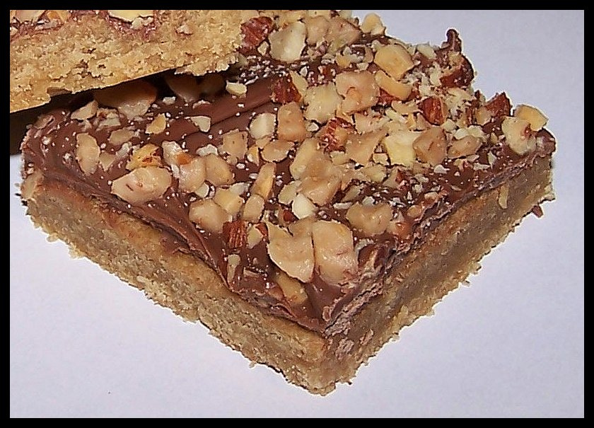 Olla-Podrida: CHOCOLATE TOFFEE SQUARES