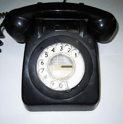 我痴●我蠢 我痴●我蠢: 舊電話   舊電話