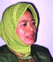 http://3.bp.blogspot.com/_ZhGPiT8zDk0/SRpHM_93RKI/AAAAAAAACTM/3AFXo39tcMo/s200/Siti+Musdah+Mulia.jpg