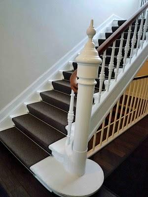 Lägga matta i svängd trappa