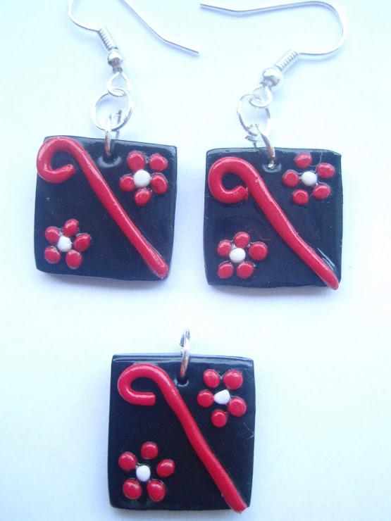 Set cercei si medalion negru cu rosu. Cod 011. Pret 17 ron