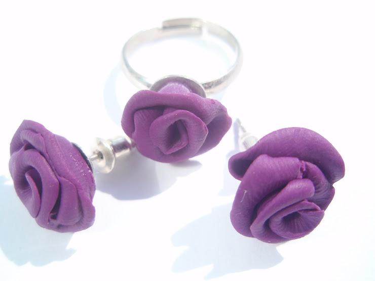 Set cercei+inel trandafiri mov. Cod 048. Pret 17 ron