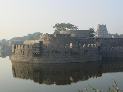 golden temple vellore wallpapers. Discussvellore golden the