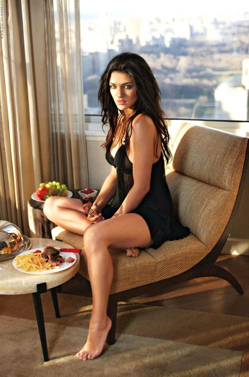 http://3.bp.blogspot.com/_ZiJoh4kW_FI/S7dUCyb-esI/AAAAAAAAAXE/8ttbqVziyWk/s1600/JessicaSzohr006.jpeg
