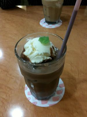 Mai:lish Akihabara chocolate float
