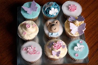Cakes 4 Fun decorated cupcakes