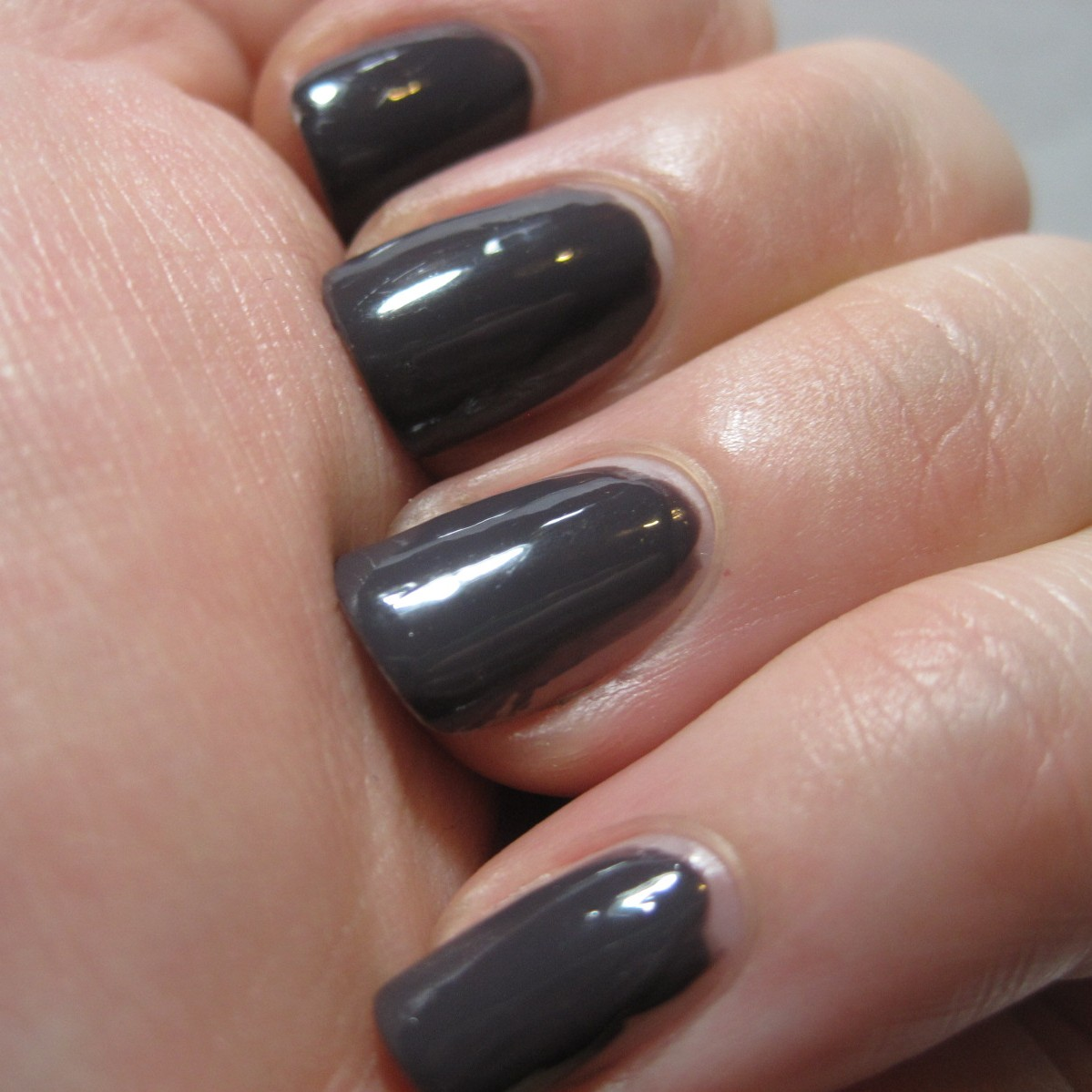 Essie Smokin Hot | My Lucid Bubble