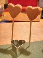 9A corazones corcho   Pendientes con forma de corazón (*)